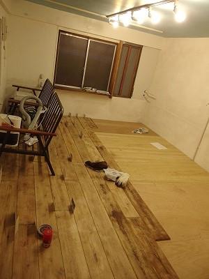 床の板貼り